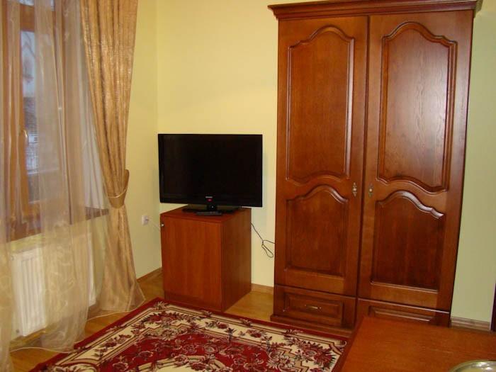 Отель Парк Трускавец Номер Полулюкс - телевизор.
