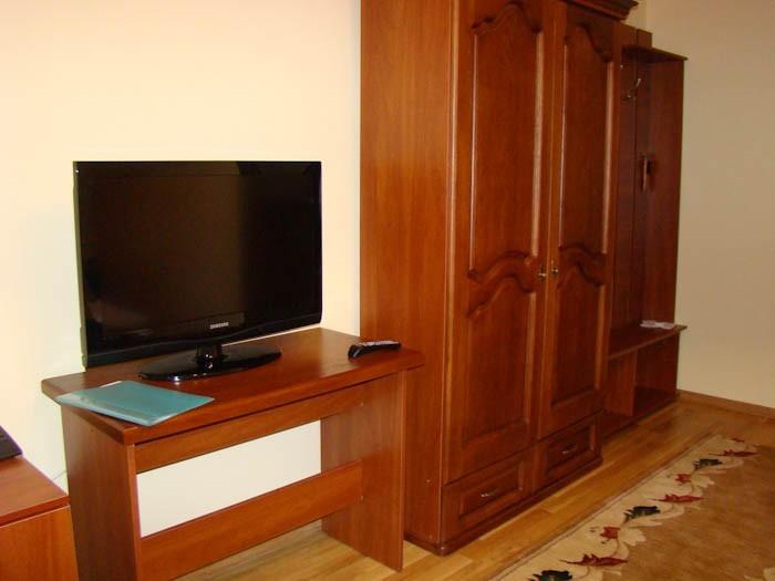 Отель Парк Трускавец Номер Стандарт - Телевизор.