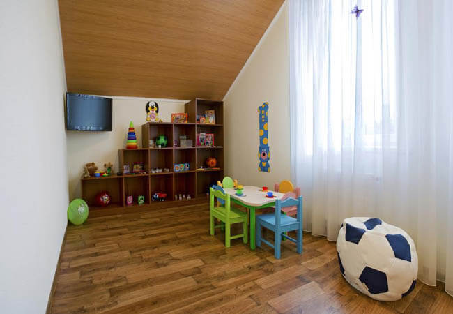 Отель РеВита Трускавец Фото - детская комната.