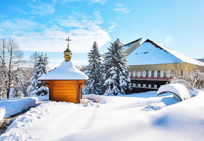 Санаторий Хрустальный Дворец Фото - Церковь.