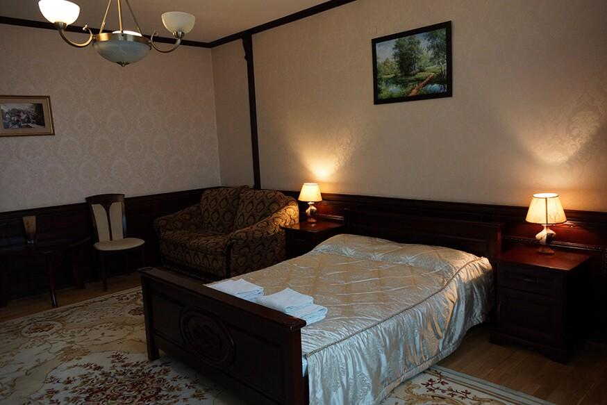 Отель Сенатор Номер VIP - Кровать.