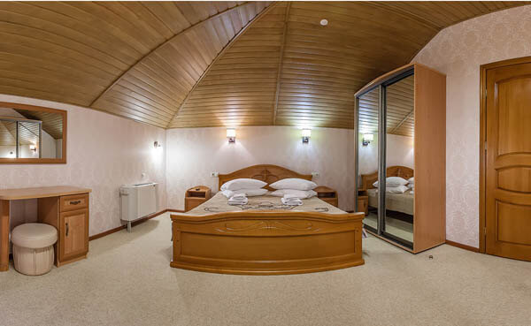 Золотая Корона Номер - люкс - Кровать.