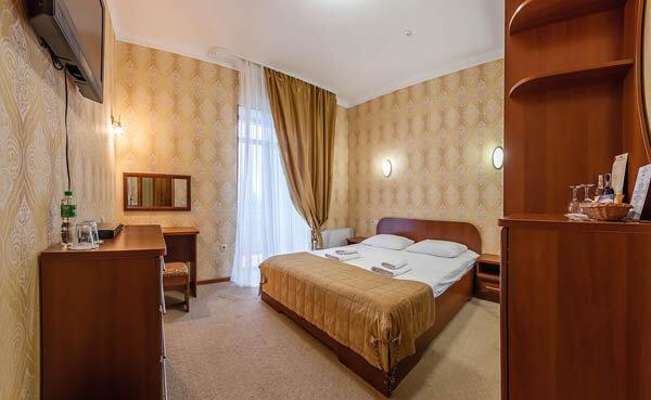 Золотая Корона Номер - standart double - Кровать.
