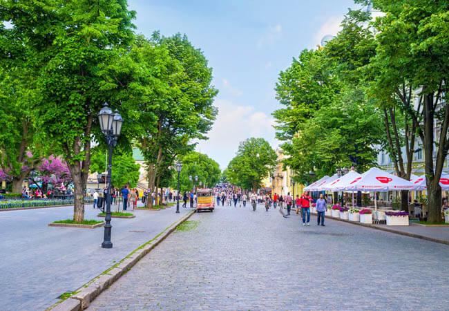 Дерибасовская улица.