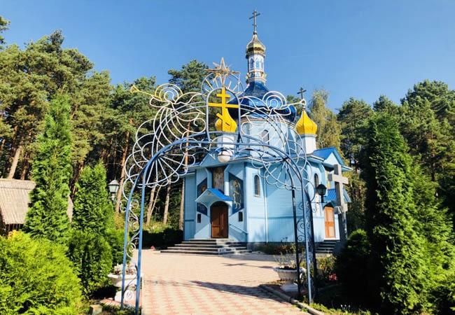 Санаторій Червона Калина - Церковь
