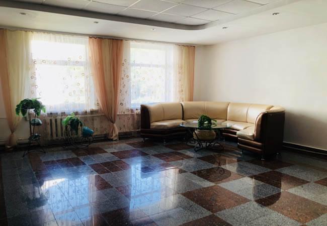 Санаторий Червона Калина - диван.