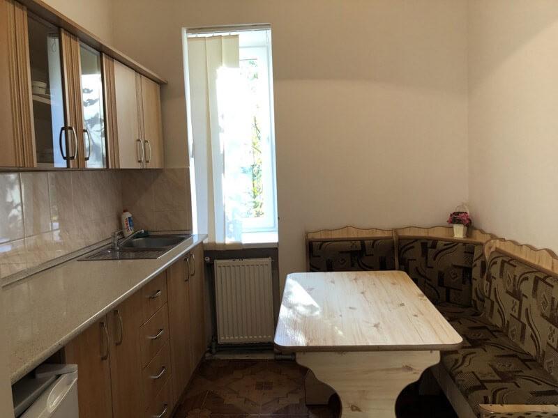 Номер люкс 2ком. 2месн 7корп 1 и 6 - Кухня.