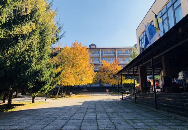 Санаторий Поляна - Площадь.