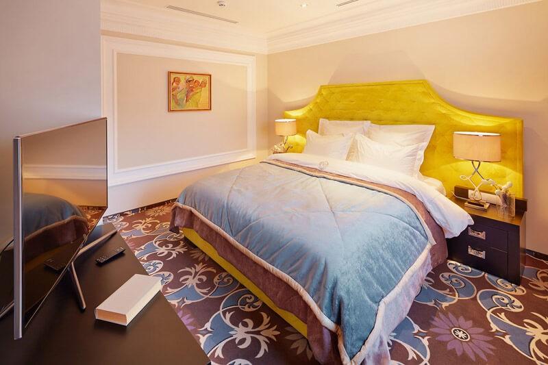 Edem Resort Номер 2ком Люкс - Кровать.