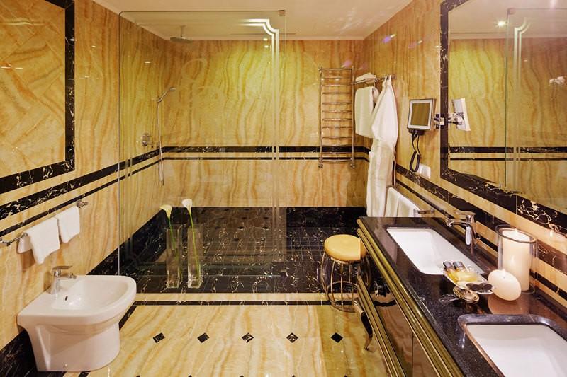 Edem Resort Номер 2ком Люкс - Санузел.