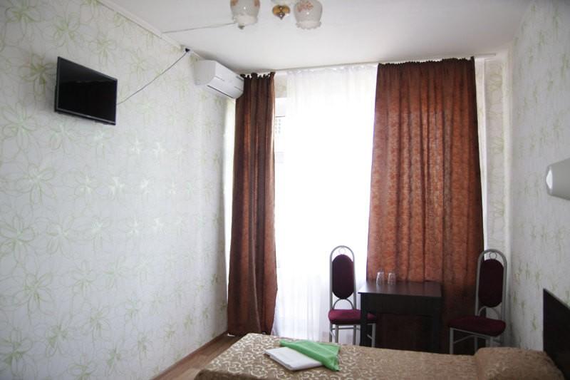 Одесский Номер Стандарт улучшенный - Кровати.