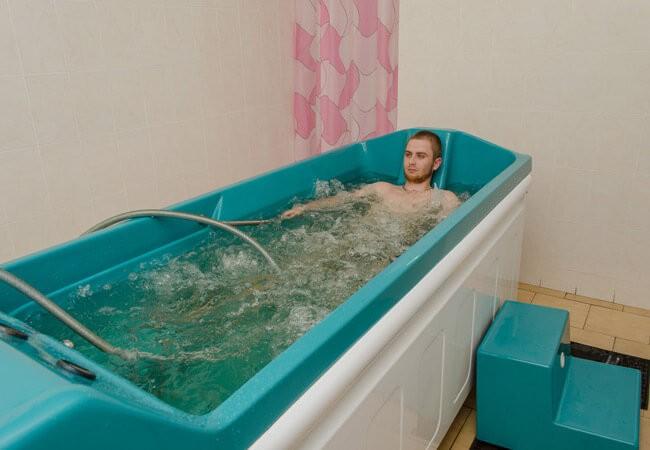 Санаторий Арктика Бердянск Фото - минеральная ванна.