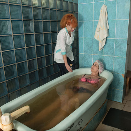 Санаторий Бердянск Фото - хвойная ванна.