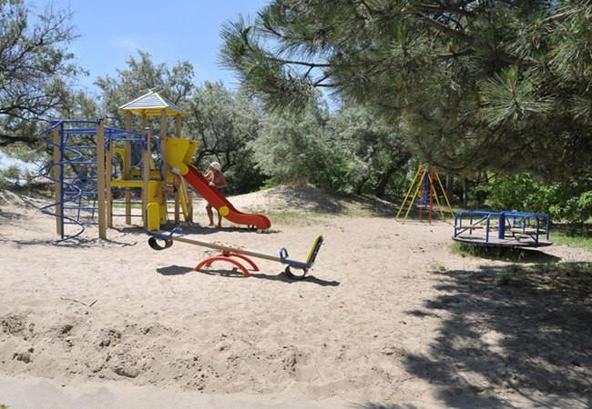Санаторий Нефтехимик Бердянск Фото - Детская площадка.