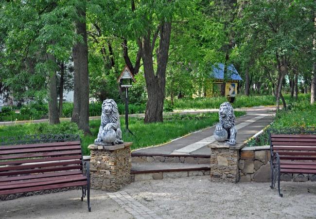 Санаторий Роща Песочин - Лавочка.