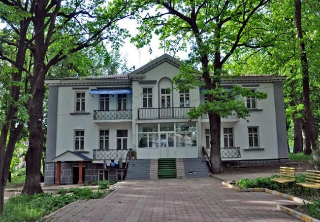 Санаторий Роща Песочин - Вход.