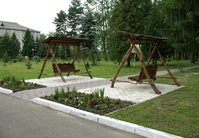 Санаторій Шкло Фото - Качели.