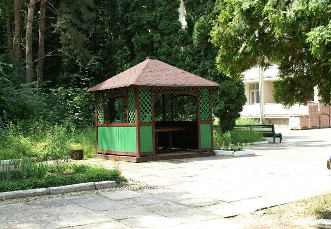 Санаторій Шкло Фото - Беседка.