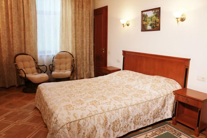 Конча Заспа Люкс 3-комнатный Фото - Кровать