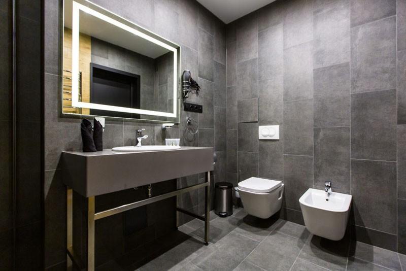 Святой Шарбель Номер LUX Мансарда - Туалет