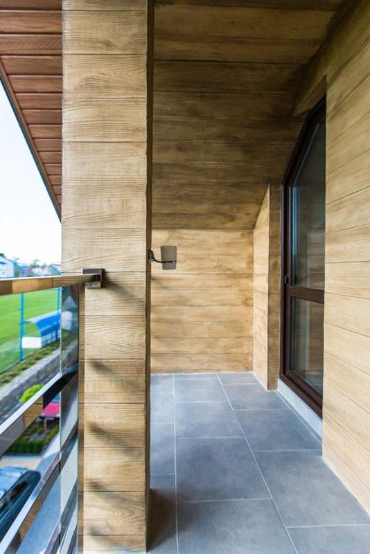 Святой Шарбель Номер LUX Мансарда - Балкон