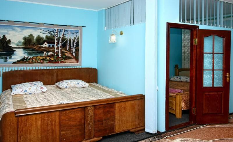СанаторийЖемчужина Подолья Номер Люкс2 - Кровать