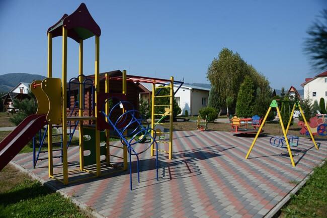 Санаторий Трембита - Детская Площадка