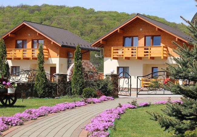 Отель Фантазия в Поляне - Домики