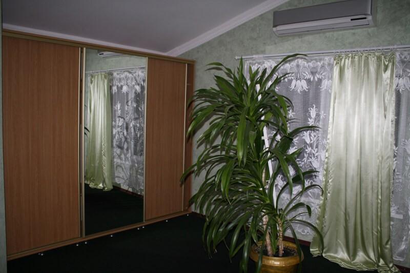 Отель Континент Номер Хостел - Шкаф
