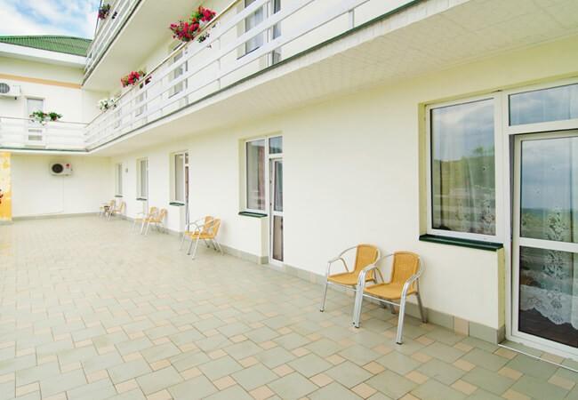 Отель Континент в Поляне - Балкон