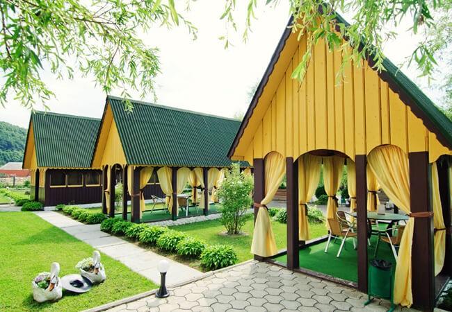Отель Континент в Поляне - Беседки