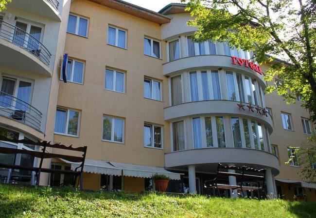 Отель Квеле Поляна - Здание