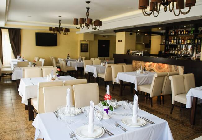 Отель Рейкарц Поляна - Ресторан