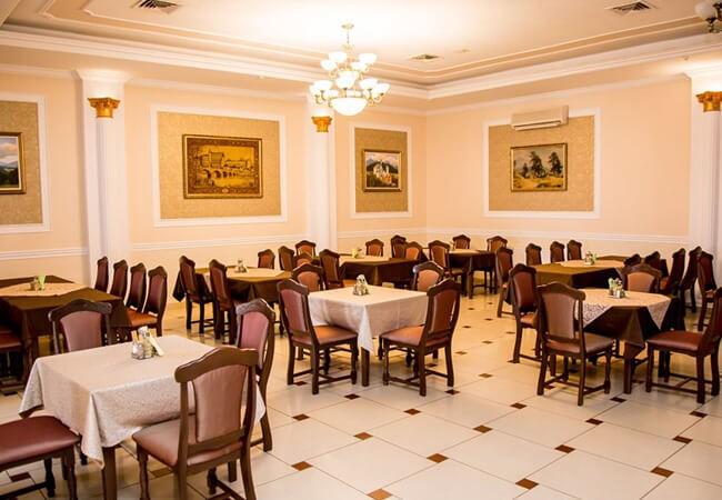 Отель Жаворонок Берегово - Ресторан