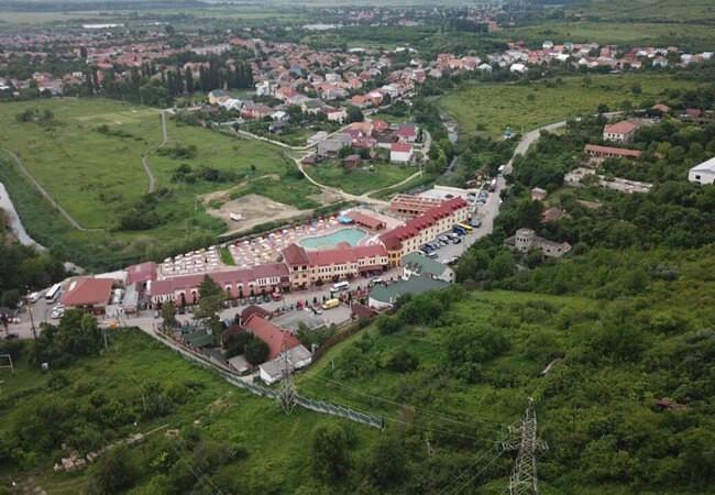 Отель Жаворонок Берегово - Вид