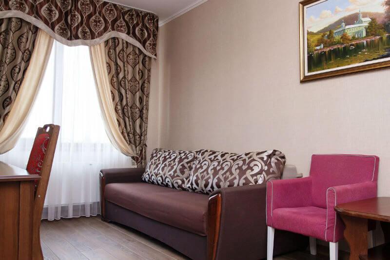 Отель Жаворонок Номер LX 3мест. - Гостиная