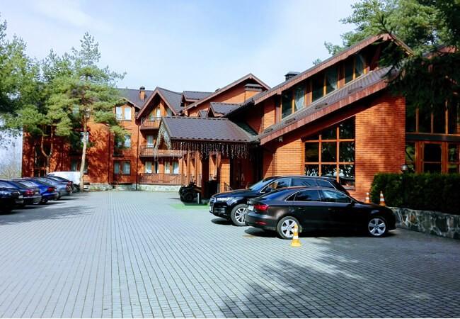 Отель Золотая Гора - Парковка