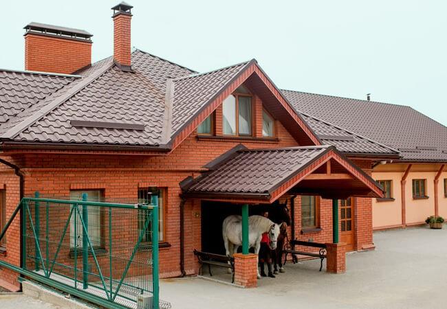Отель Золотая Гора - Конюшня
