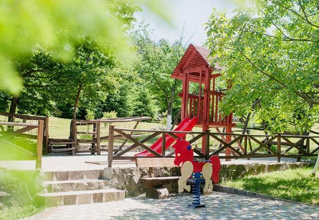 Отель Золотая Гора - Детская площадка