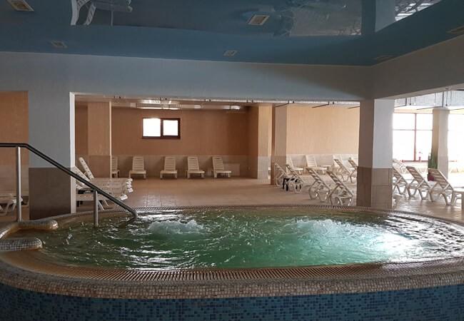 Отель Золотая Гора - Термальный бассейн