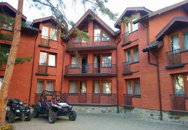 Отель Золотая Гора - Двор