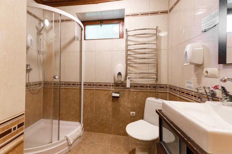 Воеводино Номер Семейный LX Grand - Туалет