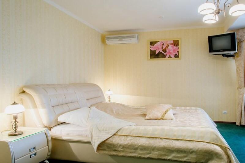 Золотая Гора Номер Люкс - Спальня
