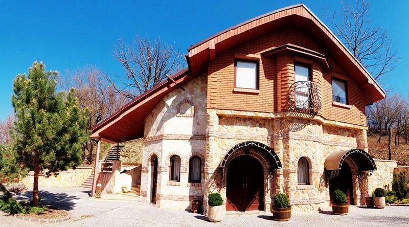 Золотая Гора Номер Винный Дом - Фасад