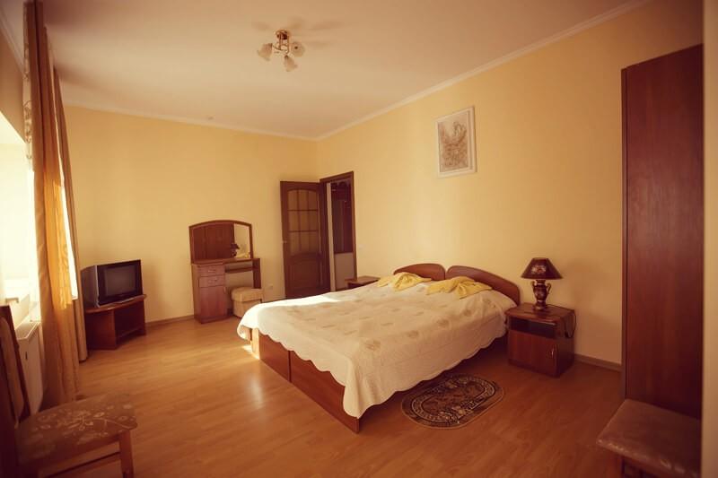 Отель Эдельвейс Номер - Спальня