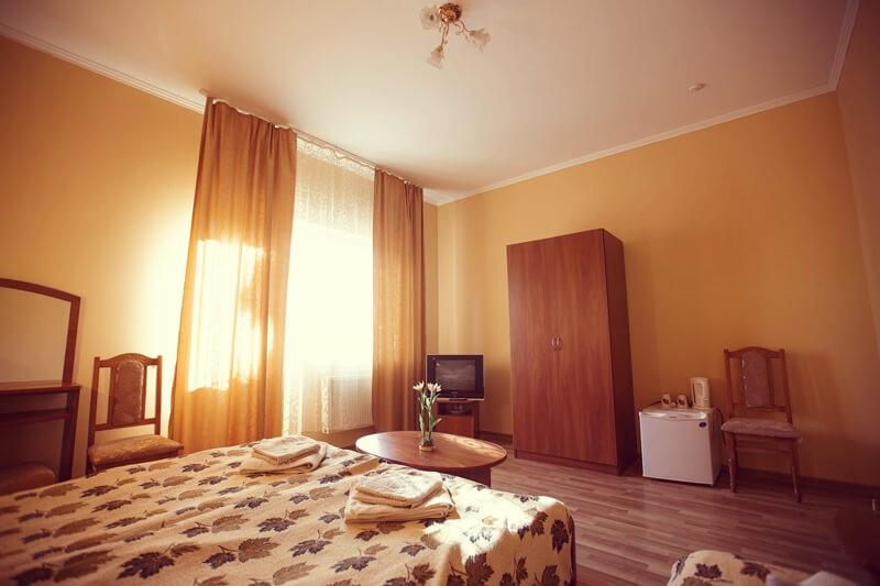 Отель Эдельвейс Номер - Шкаф