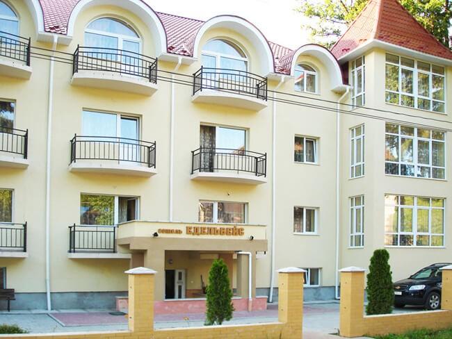 Отель Эдельвейс Шаян - Фасад